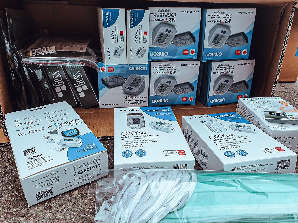pomoc dla szpitali lks lodz 2 - Kolejne szpitale otrzymały wsparcie od kibiców ŁKS