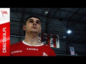 """Hokeiści Comarch Cracovii wspierają kampanię """"Połączmy się na sport(n)owo"""" [SPOT]"""