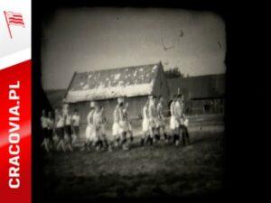 Read more about the article #PASIASTEARCHIWUM: 3 lipca 1930 roku! Ceremonia przed meczem Koszarawa Żywiec – Cracovia