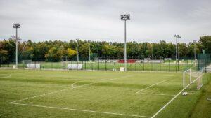 Wstęp na teren Akademii ŁKS tylko dla trenerów i piłkarzy