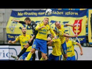 Read more about the article Arka Gdynia – ŁKS Łódź 0-0: Skrót meczu
