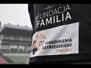 Read more about the article Logo 40-lecia Porozumienia Jastrzębskiego na koszulkach GKS-u