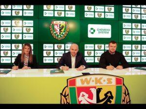 Read more about the article Chemeko-System sponsorem głównym drugiej drużyny WKS-u