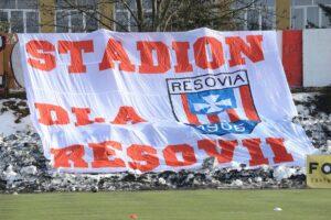Zdjęcia z meczu Apklan Resovia – Puszcza Niepołomice