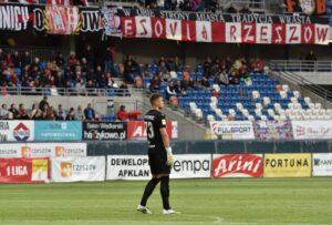 Zdjęcia z meczu Apklan Resovia – Korona Kielce