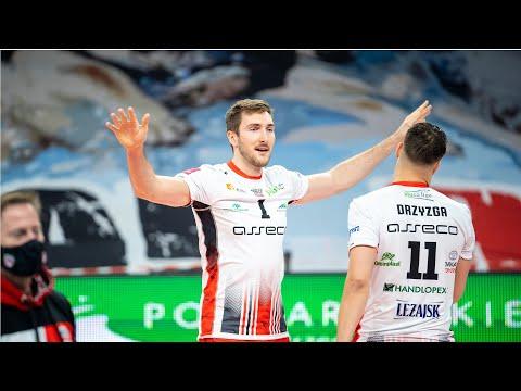 Read more about the article Bartłomiej Krulicki z nowym kontraktem!