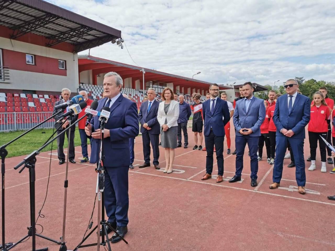 received 518791739473546 scaled 1 - Po konferencji prasowej ministra Glińskiego przy W22 w sprawie PCLA
