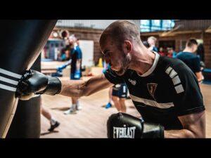 Read more about the article Przerwa reprezentacyjna Portowców – Trening bokserski w BKS Skorpion