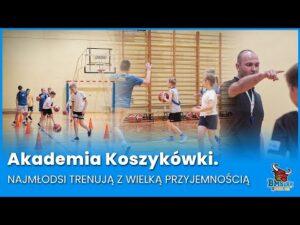 Read more about the article Akademia Koszykówki. Najmłodsi trenują z wielką przyjemnością